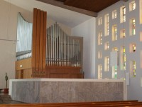 die Weigle-Orgel im Kirchenraum