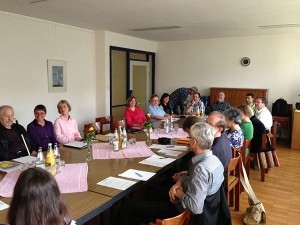 An der öffentlichen Sitzung nahmen neben den Kirchengemeinderäten auch 2 Besucher teil