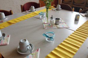 Liebevoll haben die Kinder die Tische für Mütter und ihre Familien zuvor eingedeckt