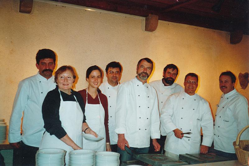 2004 kochte der Männerkochclub für 800 Gäste in der Stuttgarter Vesperkirche